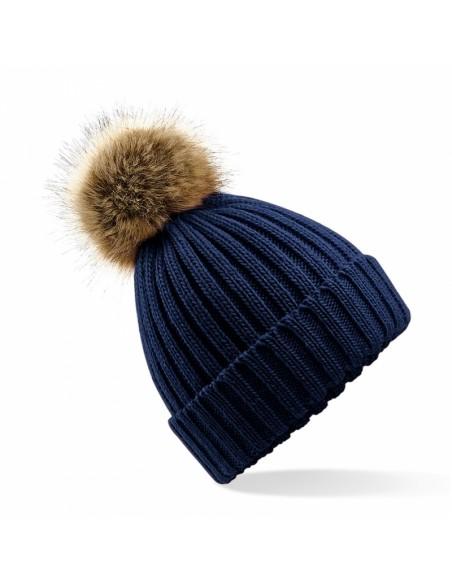 Debelo pletena kapa s cofom iz umetnega krzna